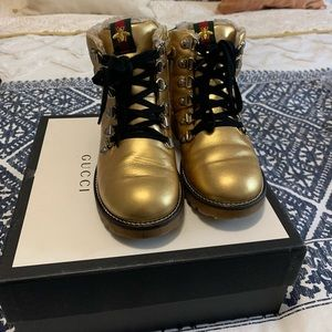 Girls Gucci gold boots size 30 in vguc
